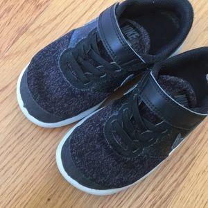 Nike Pjokk Sko Størrelse 11 x8fOClc